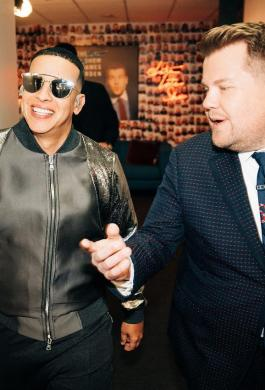 Daddy Yankee junto a  James Corden
