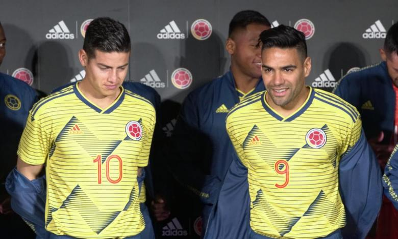 James y Falcao con la nueva indumentaria de la Selección Colombia