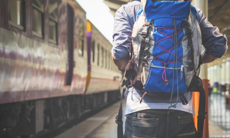Un joven 'mochilero' de viaje