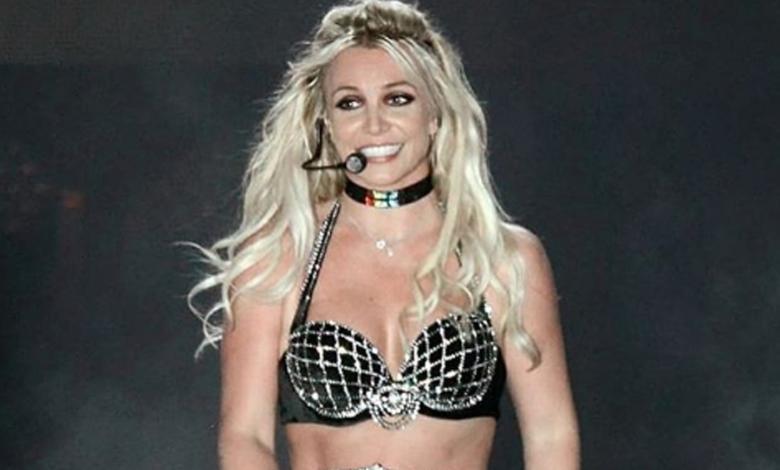 Se publicó una imagen de la cantante tras días desde que se internó para lidiar con sus problemas mentales.