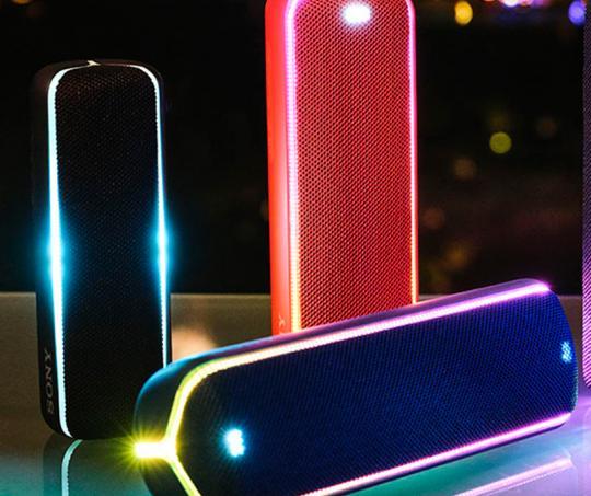 Parlante Sony con resistencia al agua y luces LED