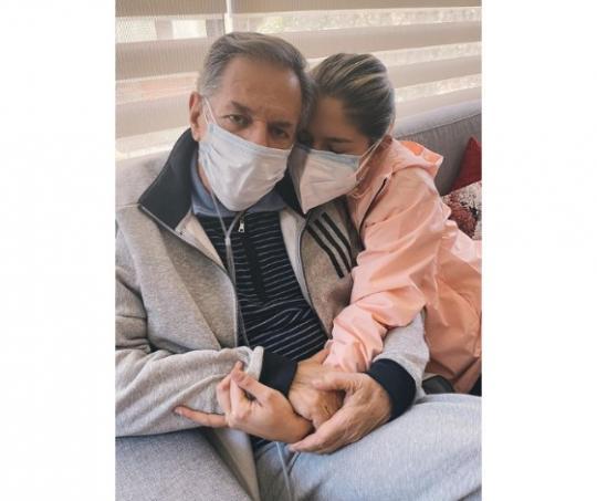 Laura Tobón y su papá