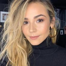 La influenciadora digital comentó una imagen de su expareja donde aparece Alejandra Tamayo, la novia actual del músico.