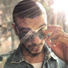 El cantante se estrelló con el auto del periodista Carlos Montoya.