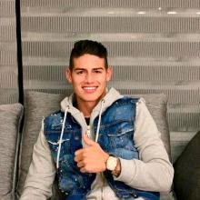 James Rodríguez aún no define su futuro deportivo