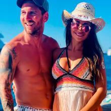 Messi y Antonella Roccuzzo en Ibiza