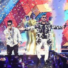 RKM & Ken-Y en los premios Juventud