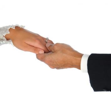 De acuerdo al fallo de la Corte, en el matrimonio las partes están obligadas a cumplir los compromisos que emergen del acto.