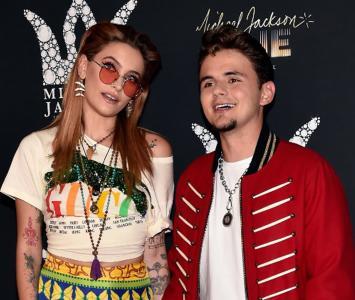 """La exesposa del cantante asegura que los jóvenes """"son hijos de Michael porque los tuvo por él""""."""
