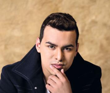 Yeison Jiménez inició su carrera artística muy joven, cuando apenas tenía 18 años.