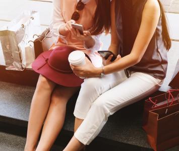 Amigas de compras - Amor y amistad