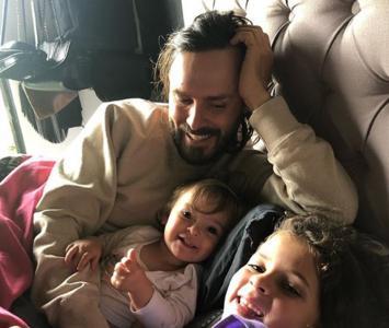 Tatán Mejía y sus hijas