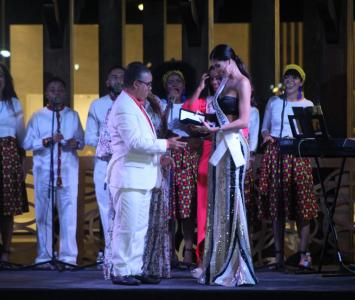 Las 22 candidatas recibieron las llaves de la ciudad por parte del alcalde (e) Pedrito Pereira