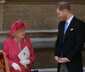 Reina Isabel y Príncipe Carlos