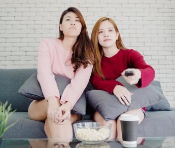 Mujeres viendo películas