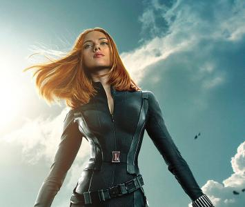 Black Widow, es interpretada por Scarlett Johansson