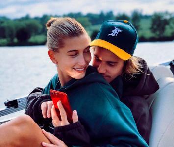 Hailey Baldwin junto a  Justin Bieber