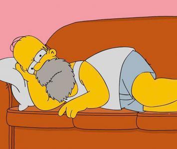 Homero Simpson en el sofá