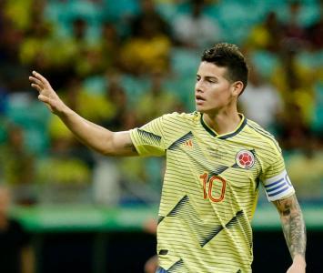James Rodríguez con la camiseta de la selección Colombia