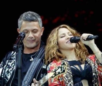 El artista invitó a la colombiana a compartir el escenario y a cantar el reconocido tema.