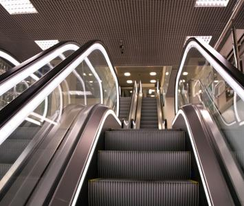 Escaleras eléctricas de un centro comercial