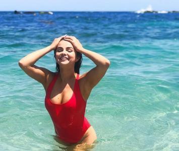 Selena Gomez en las playas mexicanas