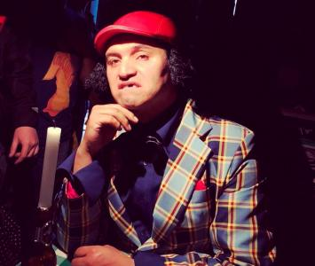 Gerly Hassam es un comediante colombiano