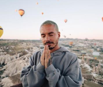 J Balvin en Cappadocia, Turquía