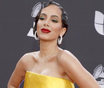 Anitta en la alfombra roja de los Grammy Latinos 2019
