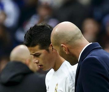 Zidane y James Rodríguez, hace unos años en el Real Madrid