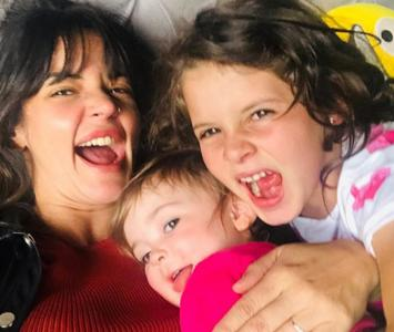 Maleja Restrepo  y sus hijas