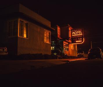 Amor de motel en El Cartel - Agosto 19