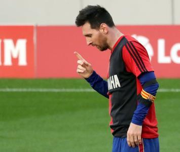 Messi tendrá que pagar multa por homenaje a Maradona
